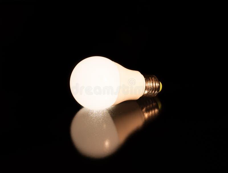 Ampoule menée blanche images stock