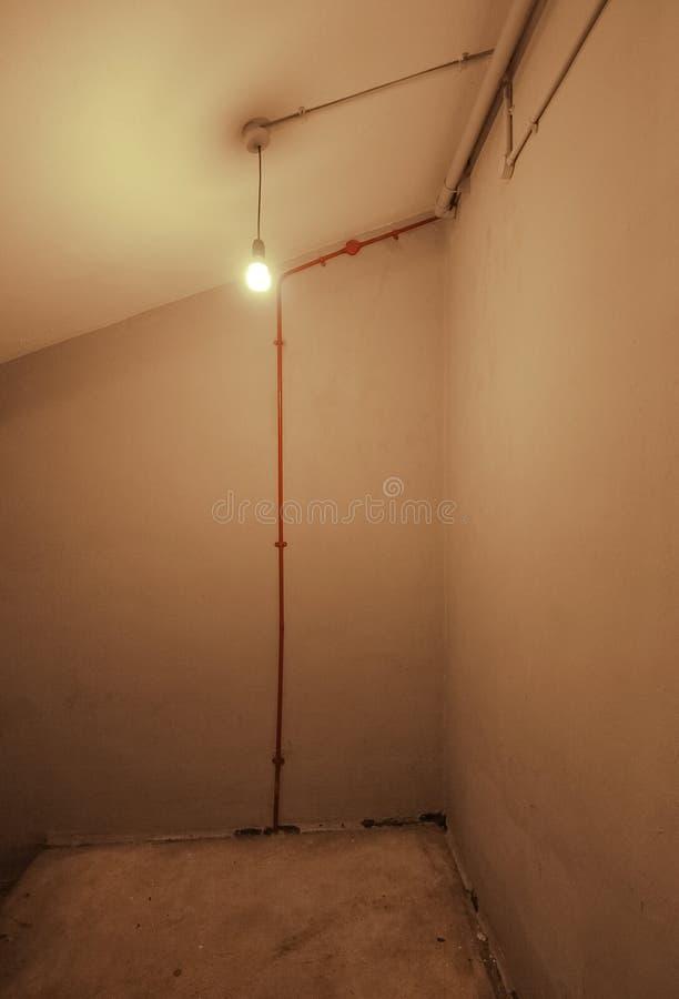 Ampoule nue photo stock
