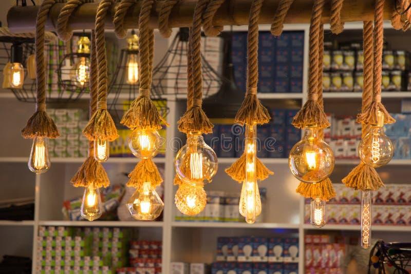 Download Ampoules D'edison De Filament Antique Décoratif De Style Image stock - Image du fond, edison: 87702135