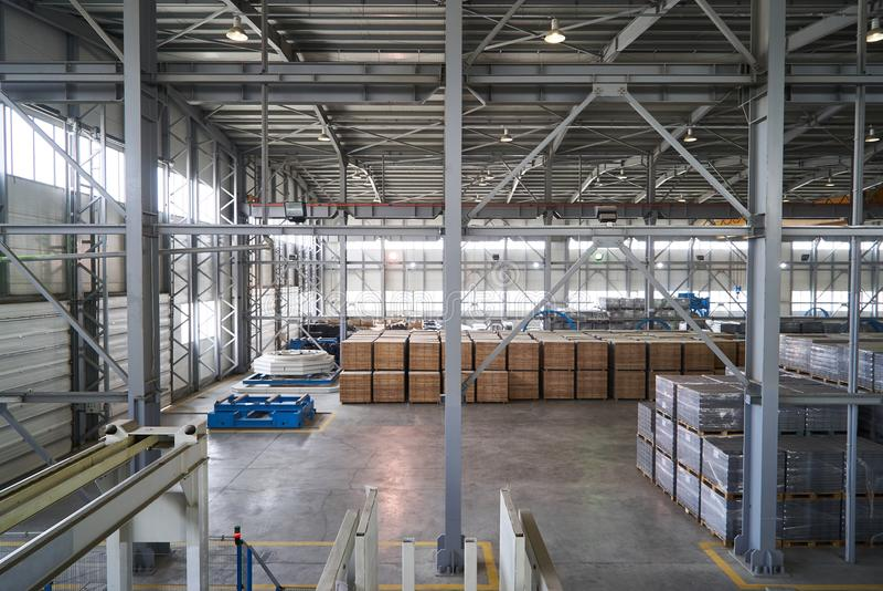 Ampuła składuje hangar fabryczny wnętrze zdjęcie stock
