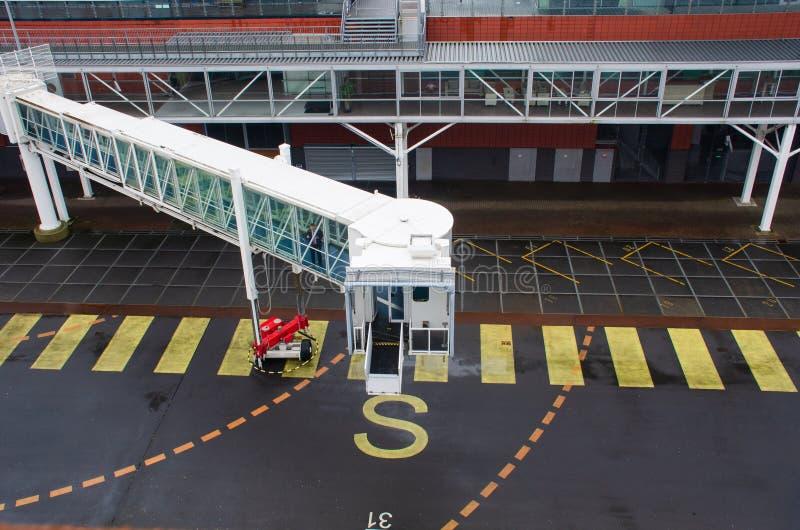 Ampuła zakrywał gangplank stawia w miejsce na statku wycieczkowym zdjęcie royalty free