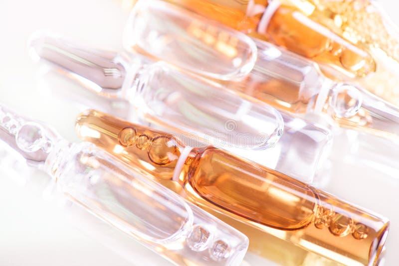 Ampułki medycyna jako tło obraz stock