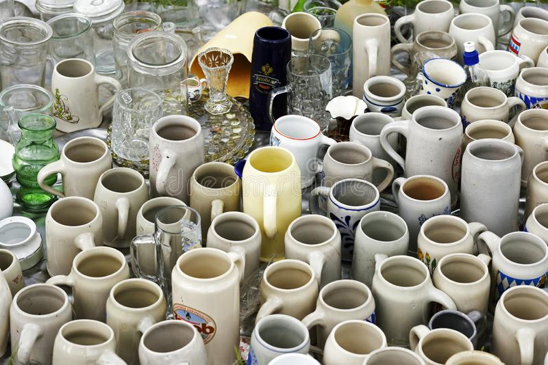 Ampuły grupa rocznik ceramiczne wazy dla sprzedaży fotografia stock
