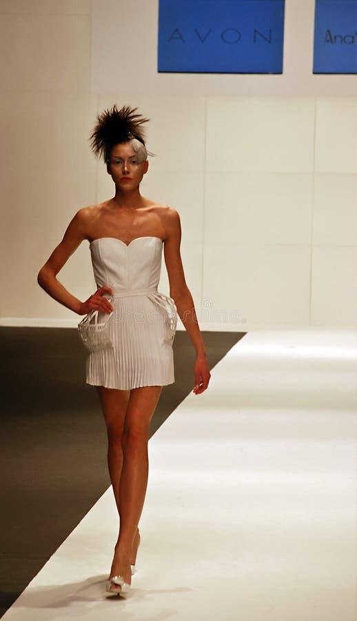 amstel贝尔格莱德时装模特儿星期白色 免版税图库摄影