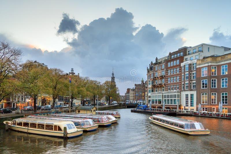 Amstel运河船阿姆斯特丹 免版税库存照片