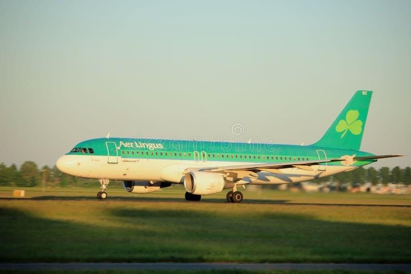 Amsterdão, os Países Baixos - 2 de junho de 2017: EI-DEC Aer Lingus imagem de stock royalty free