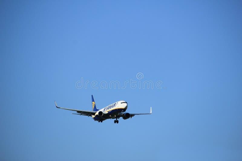 Amsterdão os Países Baixos - podem, 20o 2017: EI-EPE Ryanair Boeing 737 fotos de stock