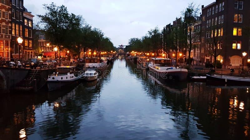 Amsterdam après coucher du soleil image libre de droits