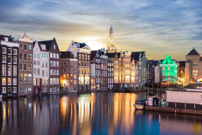 Amsterdam arkitektur på soluppgång, Nederländerna arkivbilder