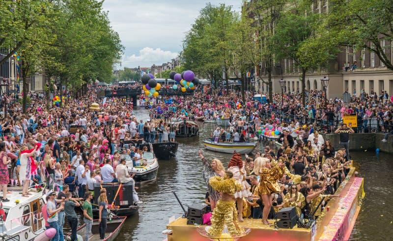 Amsterdam, am 5. August 2017: Boote des Kanalparadesegelns 2017 lizenzfreies stockfoto