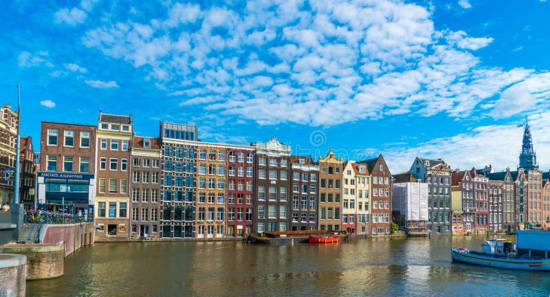 Amsterdam Augusti 5 2017: Baken av husen av det varmt arkivfoto