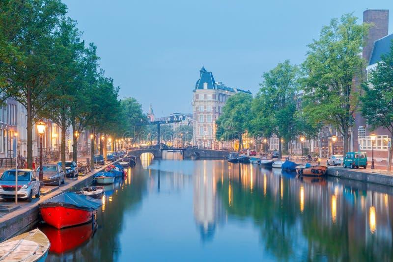 amsterdam Canale della città all'alba fotografia stock