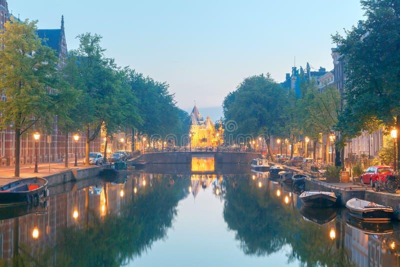 amsterdam Canale della città all'alba immagine stock