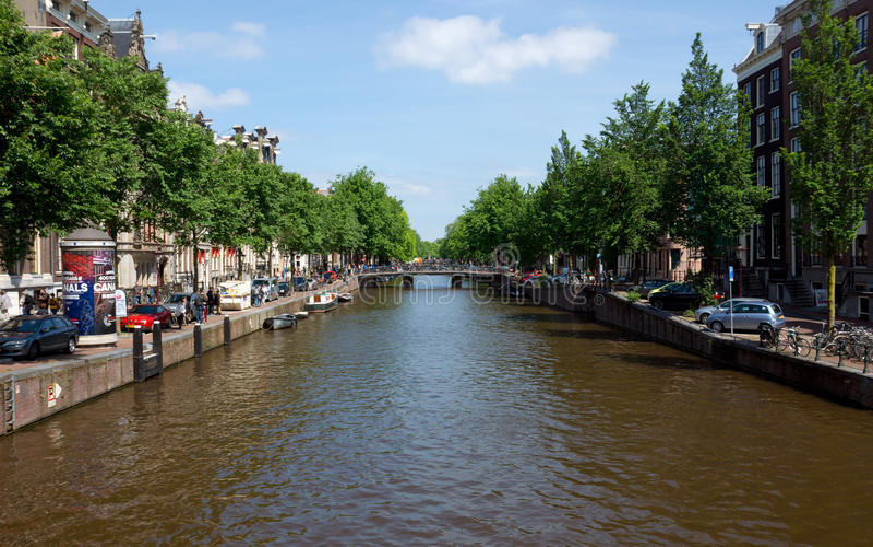 Download Amsterdam - Canales Y Casas Holandesas Típicas Imagen de archivo editorial - Imagen de amsterdam, lugar: 44850354
