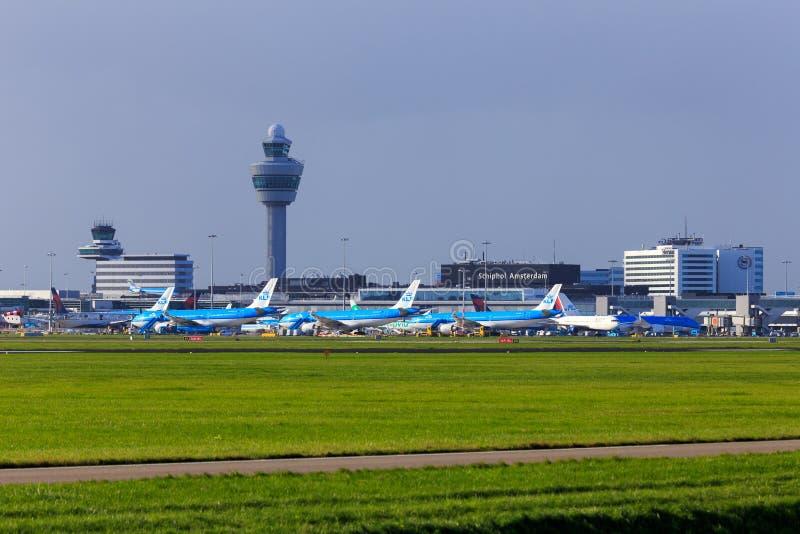 Amsterdam flygplats Schiphol, Nederländerna royaltyfri foto