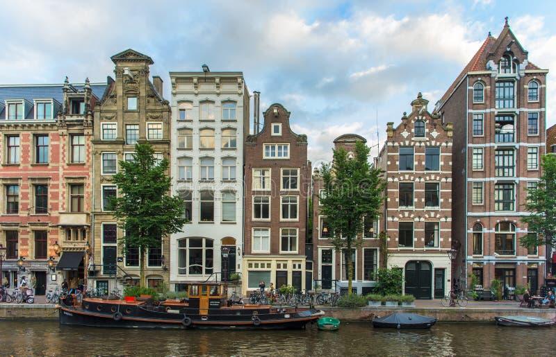 Amsterdam gatasikt arkivfoton