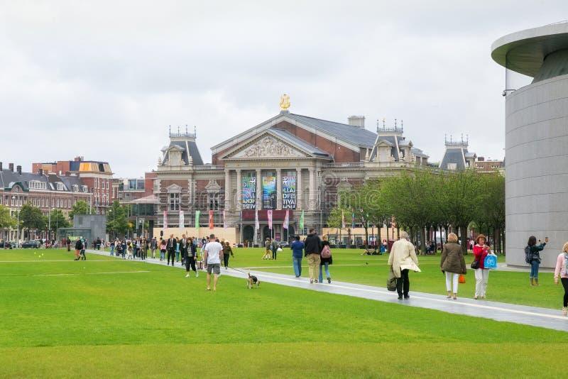 AMSTERDAM, holandie - CZERWIEC 25, 2017: Widok Kr?lewska filharmonia Concertgebouw w Amsterdam obrazy royalty free