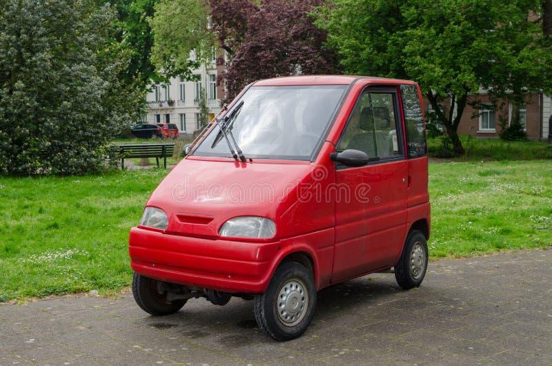 Amsterdam, holandie - Maj 03 2019: Mały czerwony samochód dla dwa persons Canta LX obraz stock