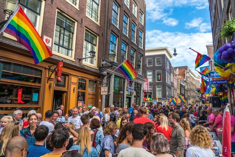 Amsterdam, il 5 agosto 2017: partito durante il gay pride sullo Zeed immagine stock libera da diritti