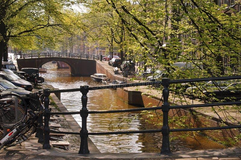 amsterdam kanal fotografering för bildbyråer