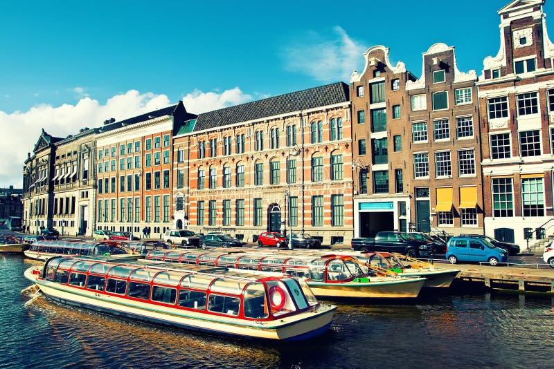 Download Amsterdam kanaler fotografering för bildbyråer. Bild av landmark - 37348683