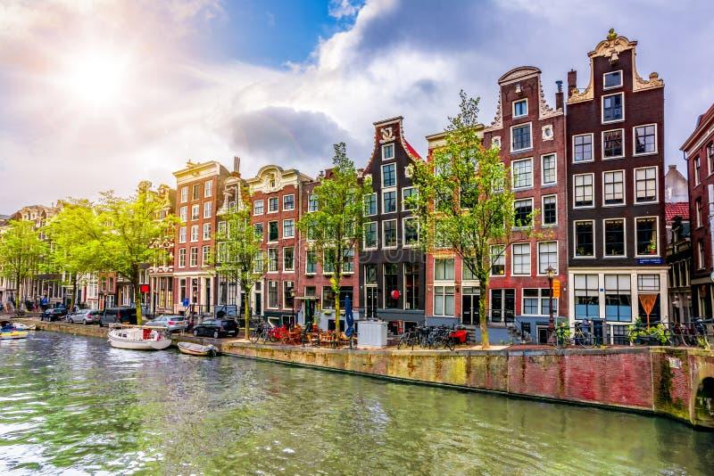 Amsterdam kanaler och arkitektur, Nederländerna royaltyfria bilder