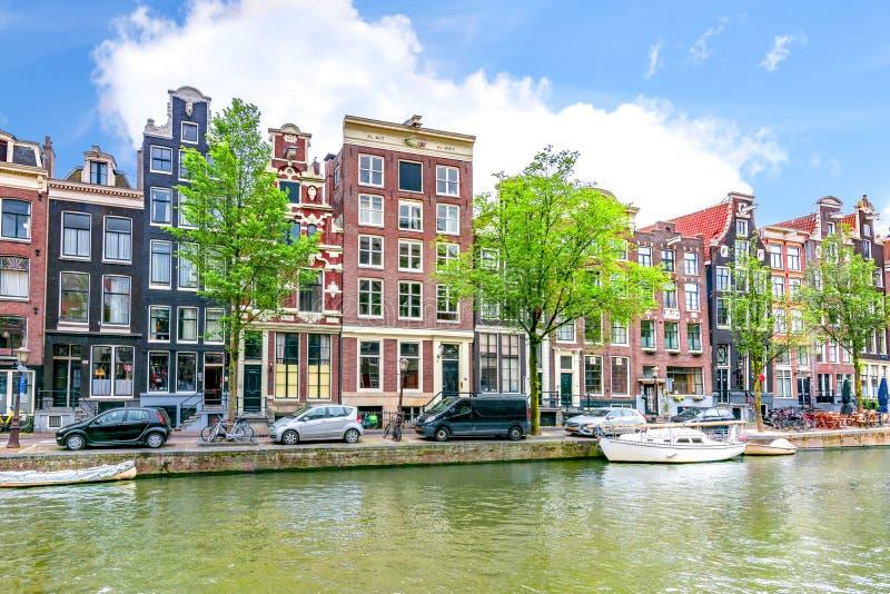 Amsterdam kanaler och arkitektur, Nederl?nderna royaltyfri foto