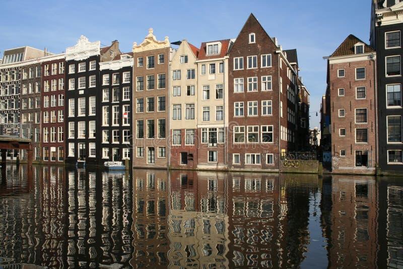 amsterdam kanalhus arkivbild
