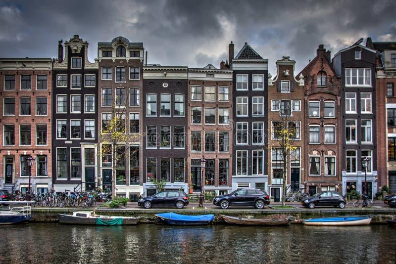 Amsterdam kanalkryssning royaltyfria foton