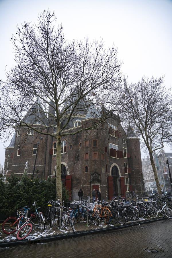 Amsterdam la bascula a ponte pubblica immagini stock
