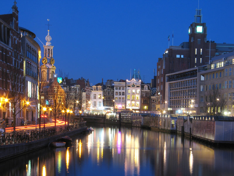 Amsterdam la nuit photographie stock libre de droits
