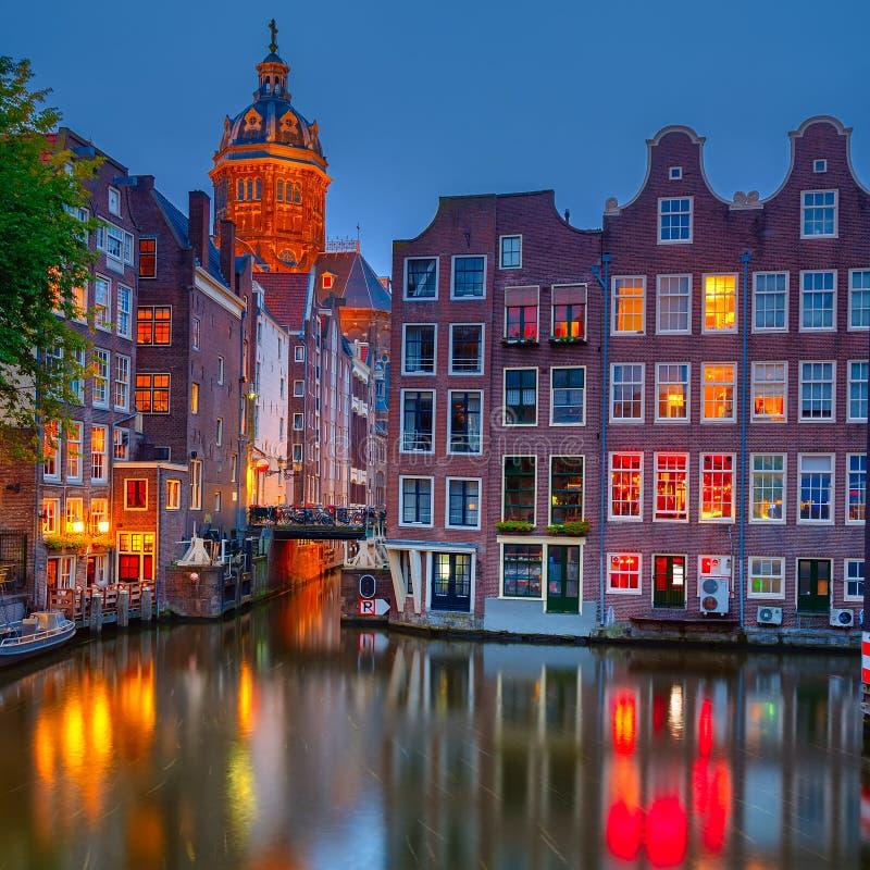 Amsterdam la nuit photographie stock