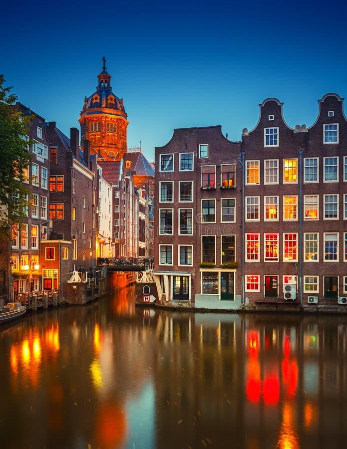 Amsterdam la nuit images libres de droits