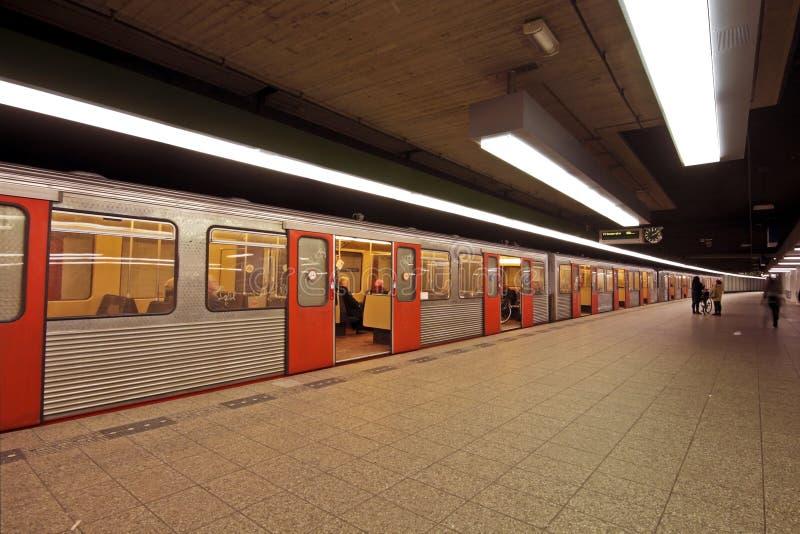 amsterdam metroNederländerna arkivbild