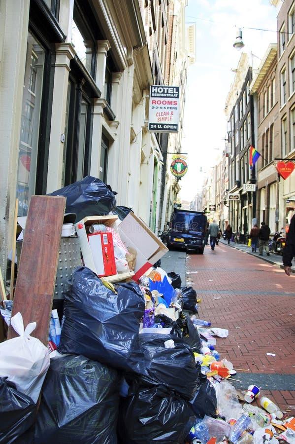 amsterdam miasta pełny śmieci fotografia stock