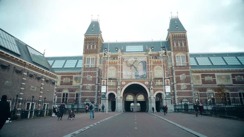 AMSTERDAM NEDERLÄNDERNA - DECEMBER 25, 2017 Rijksmuseumen eller den holländska byggnaden för nationellt museum arkivbilder