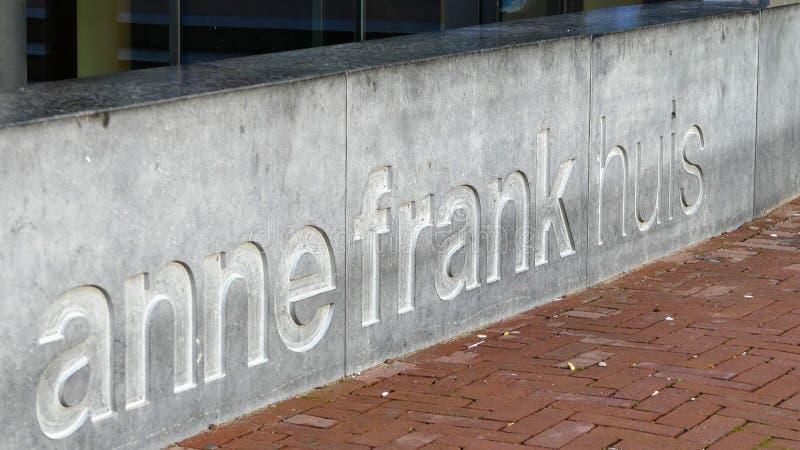 Amsterdam Nederländerna - December 12 2018: Väggen bredvid Anne Frank House i Amsterdam arkivfoto