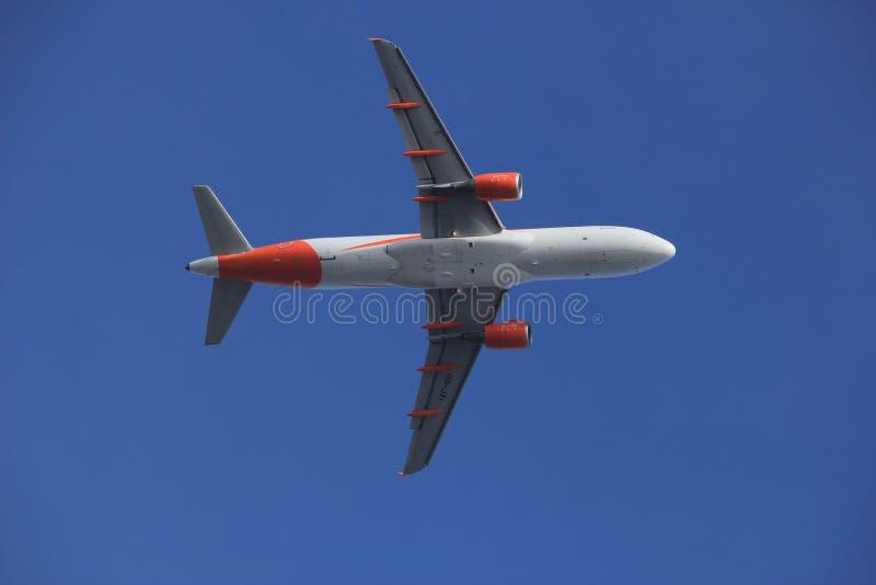 Amsterdam Nederländerna - mars 4th, 2018: HB--JXIeasyJetSchweiz flygbuss A320-200 royaltyfria bilder