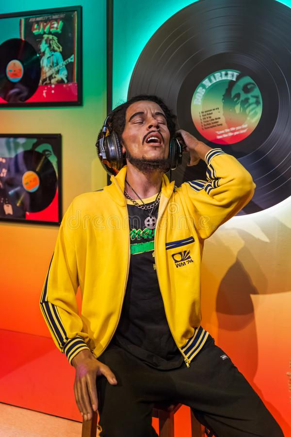 AMSTERDAM, NEDERLAND - APRIL 25, 2017: Bob Marley-wasstandbeeld i stock foto's