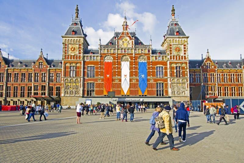 AMSTERDAM, NEDERLAND - APRIL 30: Verfraaide centrale post binnen royalty-vrije stock foto's