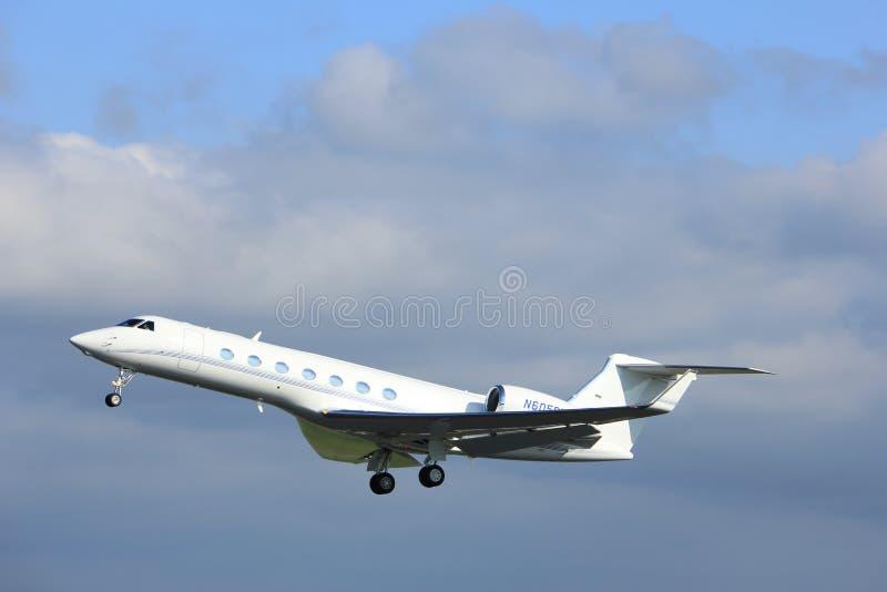 Amsterdam Nederland - April zevende, 2017: N605CH privé Gulfstream royalty-vrije stock fotografie