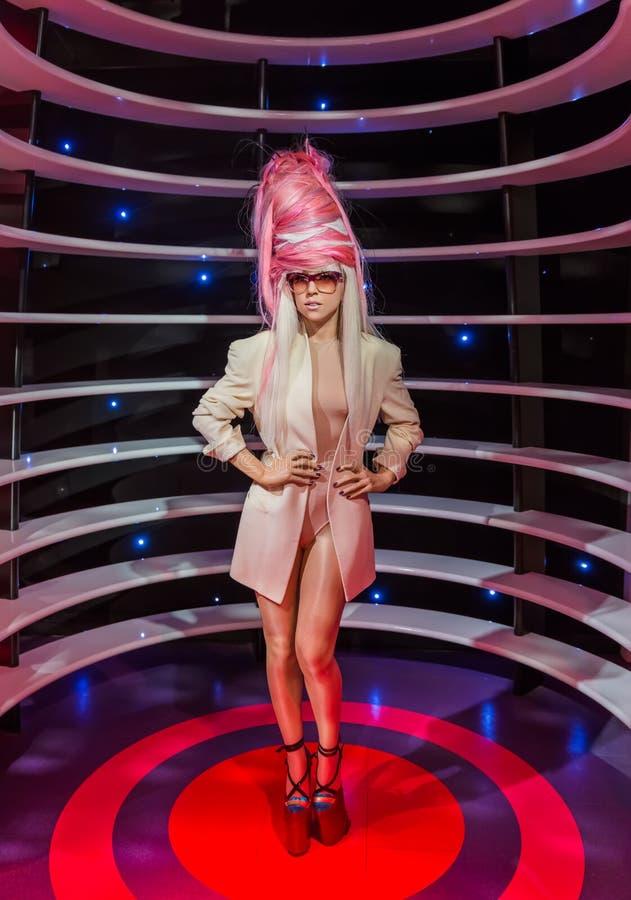 AMSTERDAM, PAÍSES BAJOS - 25 DE ABRIL DE 2017: Estatua de la cera de señora Gaga adentro fotografía de archivo
