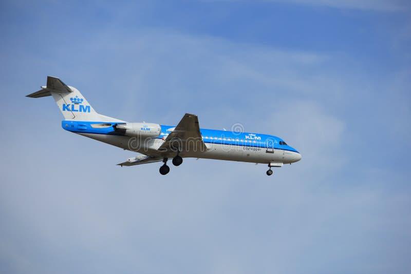 Amsterdam, Paesi Bassi, luglio, ventunesimo del 2016: Fokker F70 di PH-KZK KLM fotografia stock