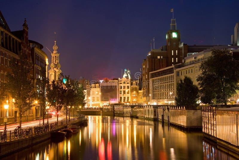 Amsterdam par la nuit 2 images stock