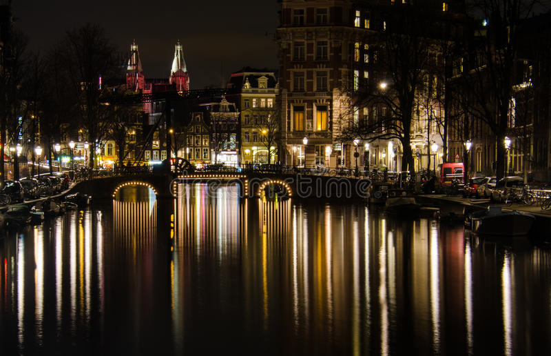 Amsterdam par nuit photos stock