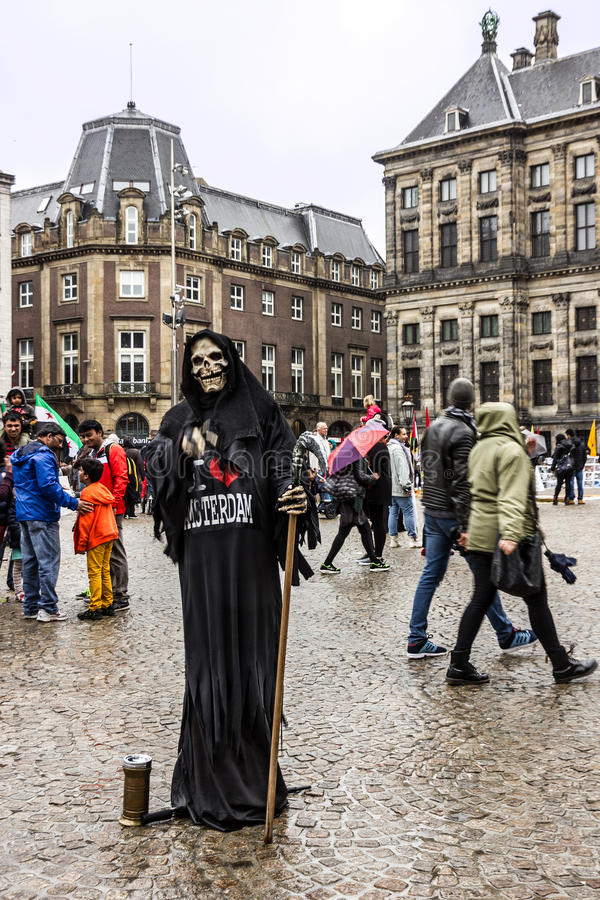 Amsterdam, Pays-Bas, place de barrage - chiffre et peop vivants de la mort photos libres de droits