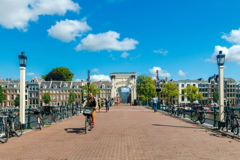Amsterdam Puente flaco imagen de archivo libre de regalías