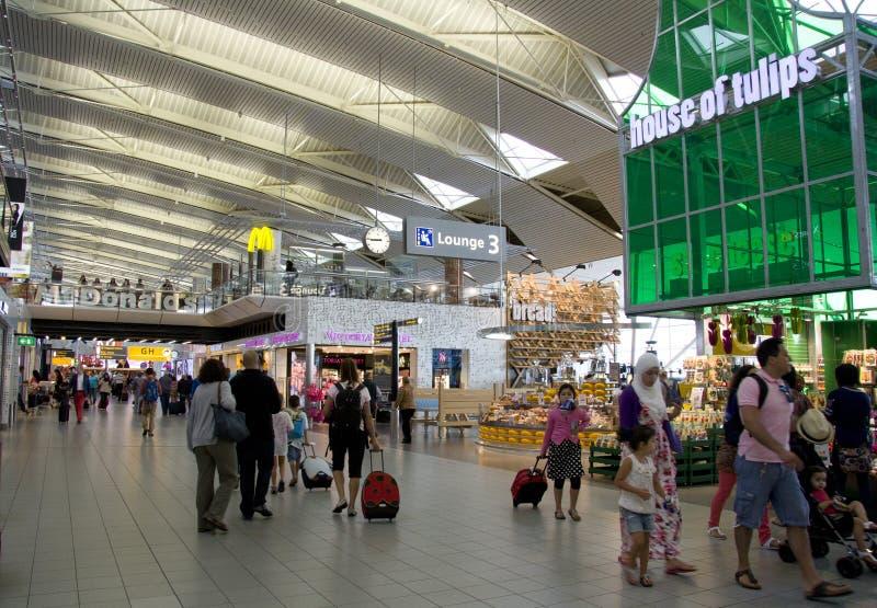 Amsterdam Schiphol flygplatsterminal arkivbild