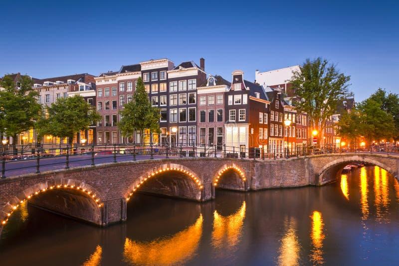 Amsterdam spokojna kanałowa scena, Holandia zdjęcia royalty free