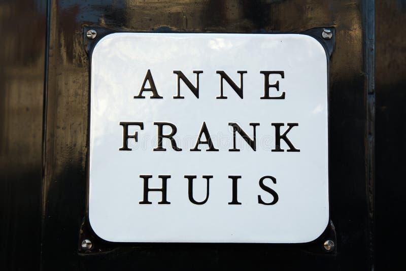Amsterdam tecken på det Anne Frank huset royaltyfria bilder